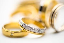 Levnější alternativy ikonických zlatých šperků